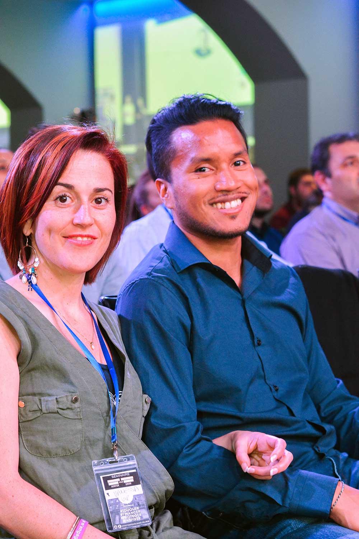 Mahery et Vanessa souriant